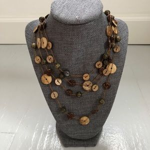 Jewelry - Vintage wooden buttons beaded strands necklace